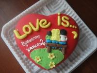 262 А Love is...(сердце) от 1 кг
