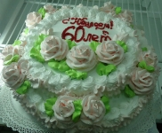 98 П Двухярусный с розами от 2,5 кг